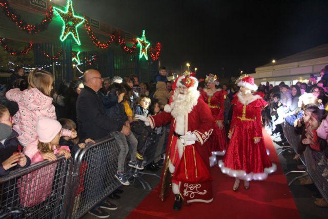 Papa Noel llega a San Pedro del Pinatar para recibir las cartas de los más pequeños en el Poblado de Navidad - 2, Foto 2