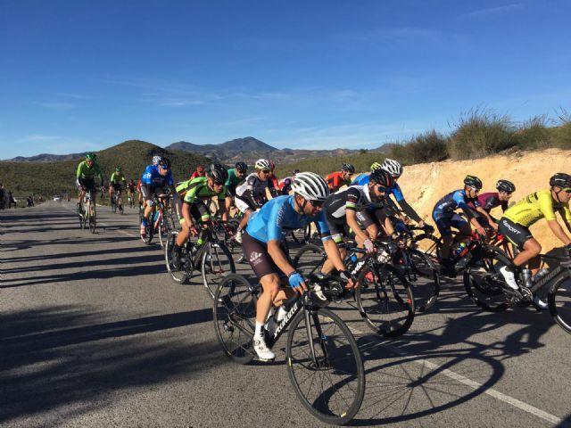 Casi un centenar de deportistas participan en el trofeo de Ciclismo 'Ciudad de Puerto Lumbreras' - 1, Foto 1