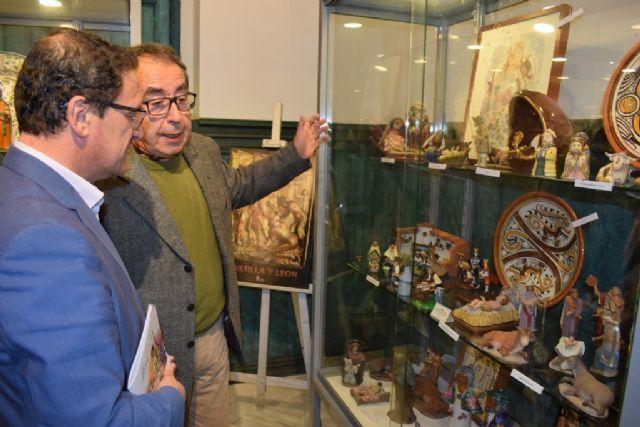 Los belenes nacionales de la colección Jorquera iluminan Casas Consistoriales hasta el 10 de enero, Foto 3