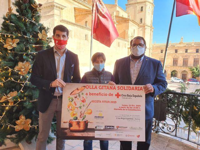 El Ayuntamiento de Lorca colabora en la iniciativa 'Olla Gitana Solidaria' puesta en marcha por Hostelor a beneficio de las familias más necesitadas - 1, Foto 1