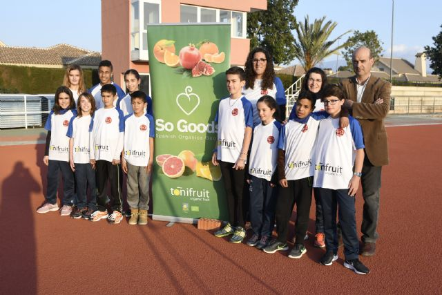Once atletas del Club Atletismo Alhama con la Selección Regional, Foto 1