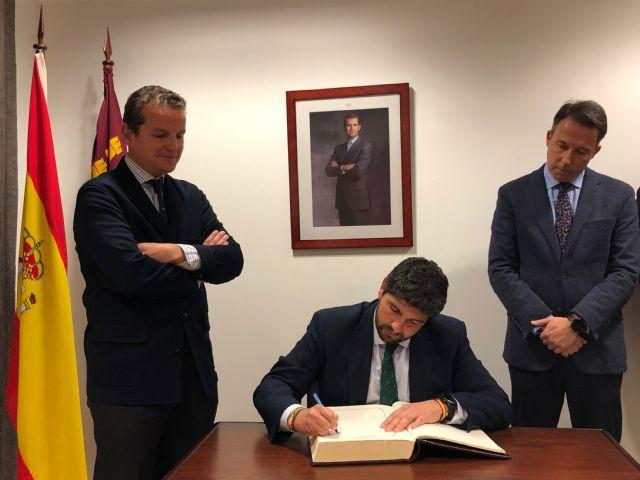 El jefe del Ejecutivo regional preside en Lorca la reunión de la junta directiva de Ceclor