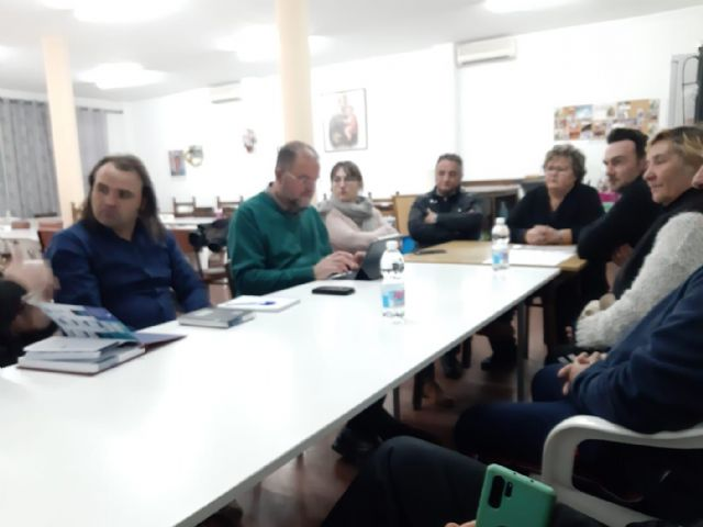 The municipal government team meets with the Neighborhood Association of the neighborhood of San José