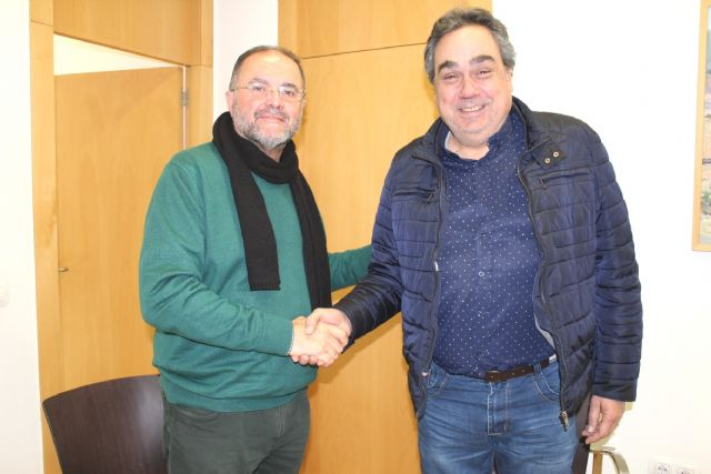 City Council and Merchants Association sign an agreement