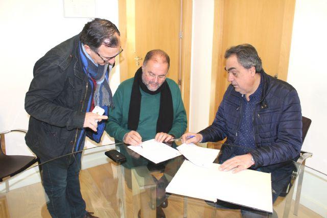 City Council and Merchants Association sign an agreement, Foto 3