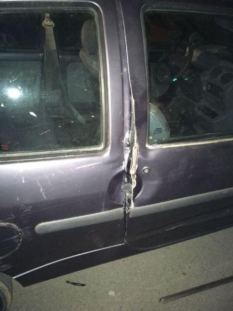 La Policía Local detiene a un individuo que fue sorprendido cuando robaba en el interior de un turismo estacionado en la avenida Juan Carlos I, Foto 1