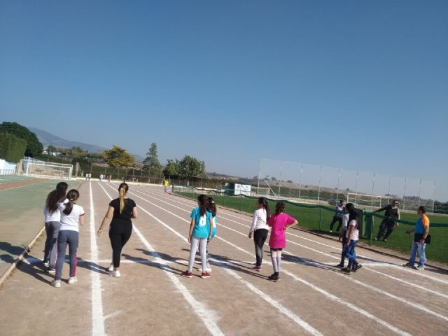 The CAT collaborated in the Local Phase of Athletics in School Age and participated in the V Vrutrail, Foto 2