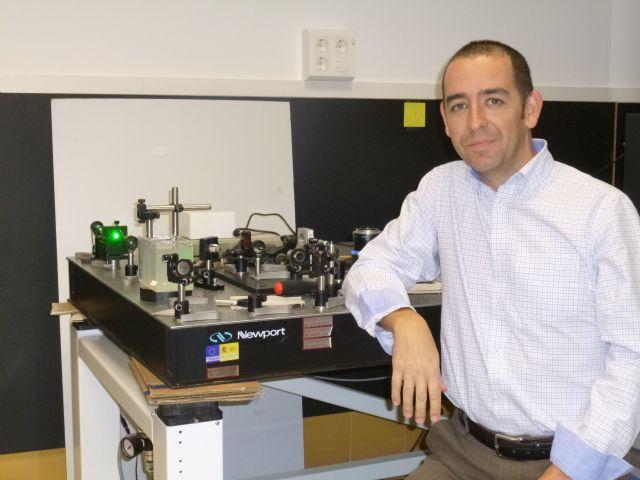 Investigadores de la UMU desarrollan un simulador visual que les permite modificar a voluntad la aberración cromática del ojo - 2, Foto 2