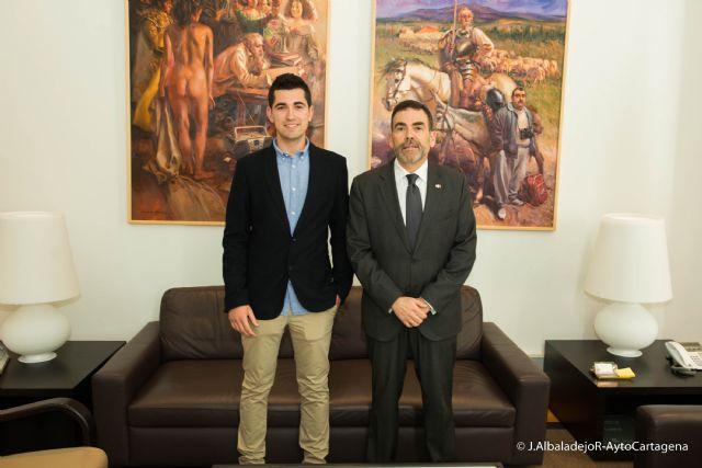 El alcalde recibe al cartagenero que obtuvo la mejor nota en el MIR - 1, Foto 1