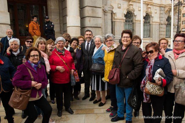 Un centenar de mujeres de Yecla visitan Cartagena por el Dia de la Mujer - 1, Foto 1