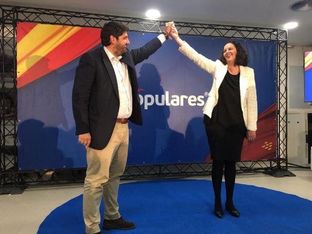 López Miras presenta a Juana María Martínez como una gran alcaldesa que supondrá la renovación necesaria en Fuente Álamo - 1, Foto 1