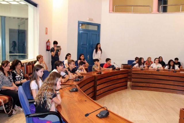 Alumnos del IES Alcántara presentan en el Ayuntamiento el Proyecto Alcantarilla Ciudad Educadora - 4, Foto 4