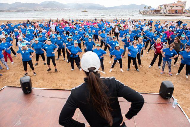 500 mayores se dan cita en Puerto de Mazarrón para participar en un encuentro de gerontogimnasia - 1, Foto 1