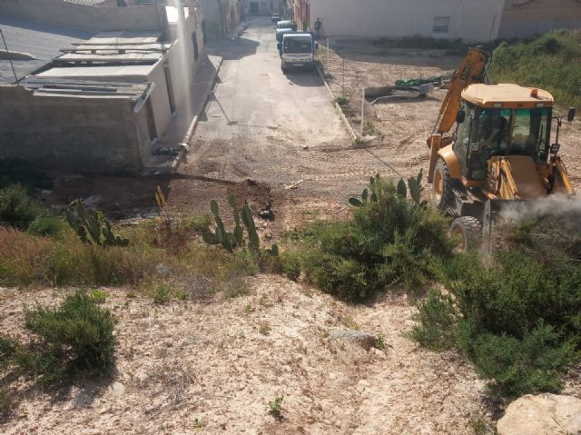 They carry out integral cleaning works in different spaces and uncontrolled waste dumps in the periphery, located in the districts of Triptolemos and San José, respectively, Foto 5