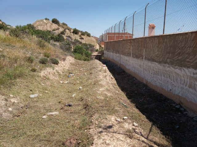 They carry out integral cleaning works in different spaces and uncontrolled waste dumps in the periphery, located in the districts of Triptolemos and San José, respectively - 6