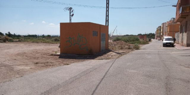 They carry out integral cleaning works in different spaces and uncontrolled waste dumps in the periphery, located in the districts of Triptolemos and San José, respectively, Foto 8