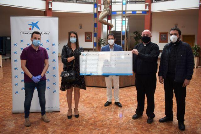 Obra social La Caixa dona 4.500 euros a Cáritas Mazarrón y 6.000 euros a Cruz Roja para bancos de alimentos - 2, Foto 2