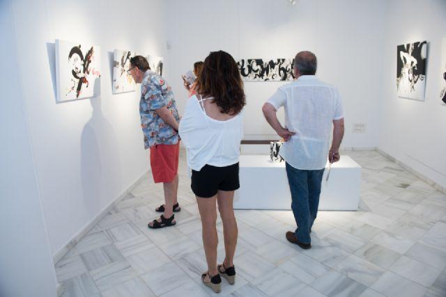 Álvaro Peña enriquece la oferta cultural del municipio con su exposición en Casas Consistoriales, Foto 2
