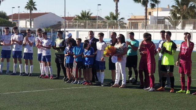 La Escuela Municipal de Fútbol Base rinde homenaje a Jesús Navarro - 1, Foto 1