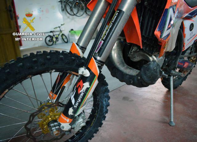 La Guardia Civil investiga a un motorista por causar lesiones graves a un ciclista tras realizar una conducción temeraria - 5, Foto 5