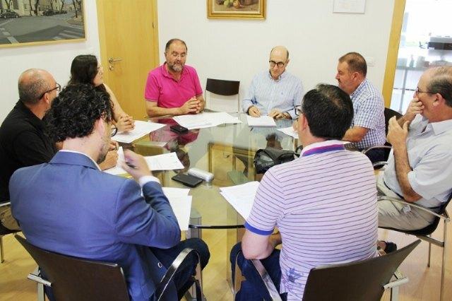 El alcalde convoca para mañana la Junta de Portavoces para agilizar algunos de los asuntos que quedaron sobre la mesa en el Pleno de configuración política y administrativa