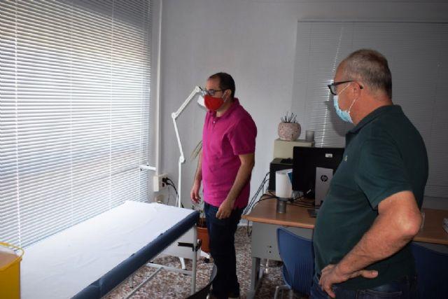 El ayuntamiento realiza mejoras y acondicionamiento en el consultorio médico de Cañada de Gallego - 2, Foto 2