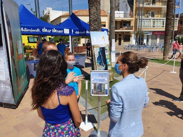 La directora general del Mar Menor, Miriam Pérez presentó en Santiago de la Ribera la campaña de sensibilización Mar Menor 2020 - 3, Foto 3