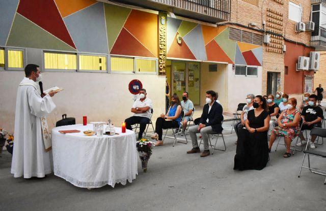 El barrio del Carmen homenajea a su patrona con una misa al aire libre - 4, Foto 4