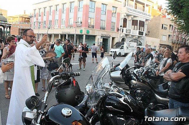 Totana Custom realizó su tradicional ofrenda a Santiago Apóstol, patrón de Totana, Foto 1