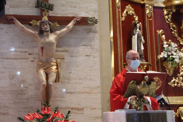 La devoción de los fieles acompañó al Cristo del Mar Menor - 2, Foto 2
