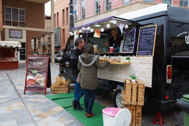 Food trucks Feria de Día 2018, comida especializada sobre ruedas y música en directo, Foto 3