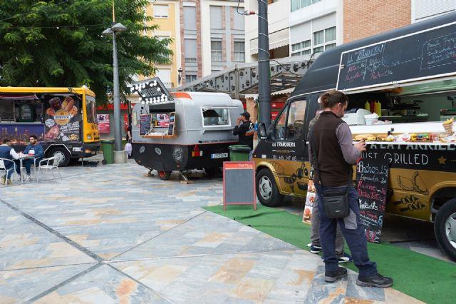 Food trucks Feria de Día 2018, comida especializada sobre ruedas y música en directo, Foto 5