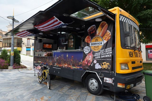 Food trucks Feria de Día 2018, comida especializada sobre ruedas y música en directo, Foto 6