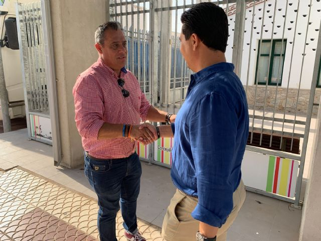 El alcalde de Pliego, Antonio Huescar entrega en San Javier las donaciones recogidas en su municipio para los afectados por las inundaciones - 3, Foto 3