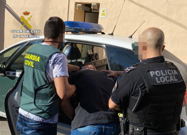 La Guardia Civil esclarece en Cieza un hurto en una vivienda de Barcelona - 1, Foto 1