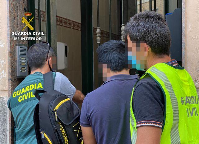 La Guardia Civil esclarece en Cieza un hurto en una vivienda de Barcelona - 3, Foto 3