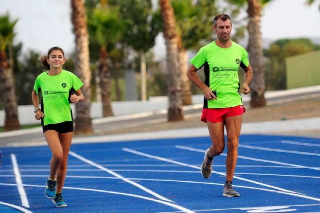 La nueva pista de atletismo de Puerto Lumbreras ya alberga entrenamientos de calidad de atletas locales - 3, Foto 3