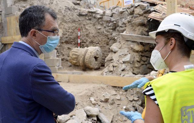 Comienzan los trabajos para la recuperación de la columna romana hallada en Monteagudo - 1, Foto 1