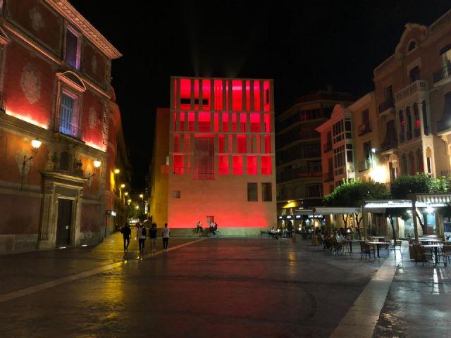El Ayuntamiento se suma a las reivindicaciones del sector cultural y de eventos iluminando de rojo el edificio anexo - 1, Foto 1