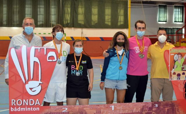 Tres oros, una plata y tres bronces para el Bádminton Las Torres en la prueba de Ronda del circuito nacional sénior - 3, Foto 3