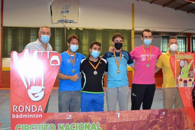 Tres oros, una plata y tres bronces para el Bádminton Las Torres en la prueba de Ronda del circuito nacional sénior - 4, Foto 4