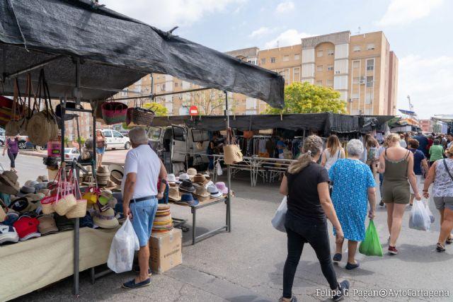 Los mercadillos de los viernes abrirán el festivo de Carthagineses y Romanos - 1, Foto 1