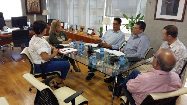 La Federación de asociaciones Gitanas FAGA con Delegación en Murcia se ha reunido con la Consejera de Educación de la Región de Murcia y su equipo, Foto 1