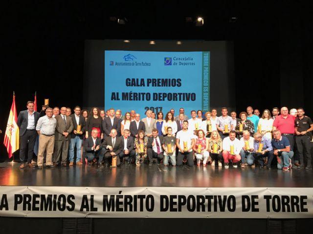 Deportistas de Torre Pacheco reciben un reconocimiento en la II Gala del Deporte Premios al Mérito Deportivo Torre Pacheco 2017 - 1, Foto 1