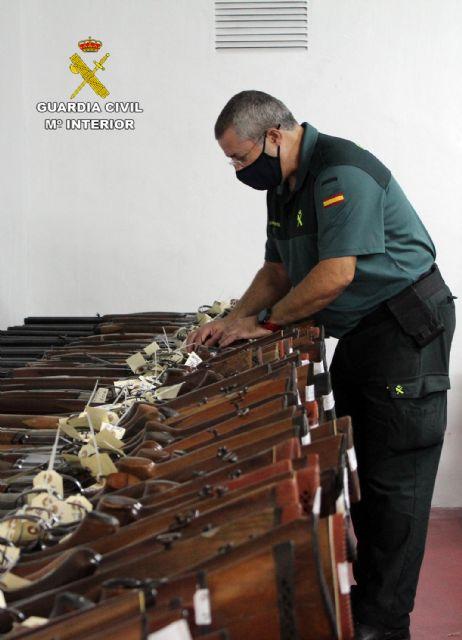La Guardia Civil de Murcia celebra la exposición-subasta de armas del año 2020, Foto 1