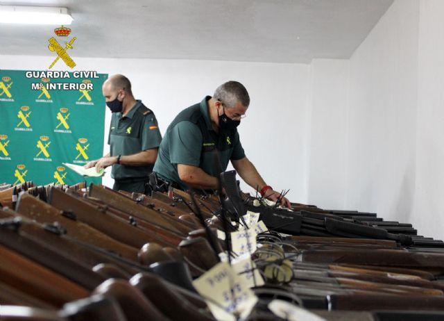 La Guardia Civil de Murcia celebra la exposición-subasta de armas del año 2020, Foto 3