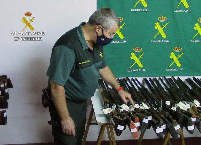 La Guardia Civil de Murcia celebra la exposición-subasta de armas del año 2020, Foto 4