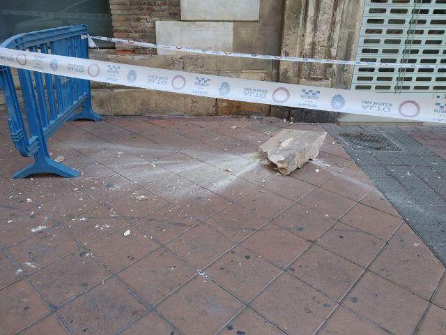 Huermur denuncia la caída de cascotes del edificio de los Nueve Pisos - 2, Foto 2