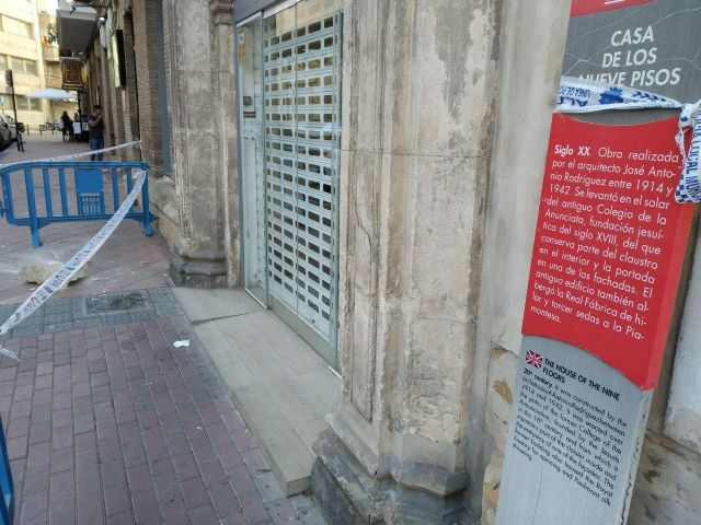 Huermur denuncia la caída de cascotes del edificio de los Nueve Pisos - 5, Foto 5
