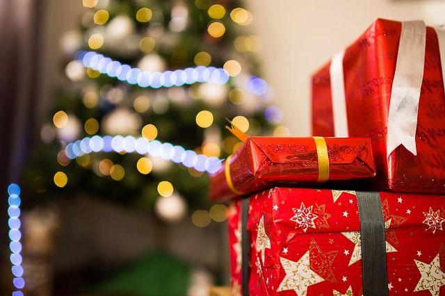 El Ayuntamiento reduce un 50 por ciento la iluminación navideña y apuesta por campañas para fomentar la compra en el comercio local - 1, Foto 1